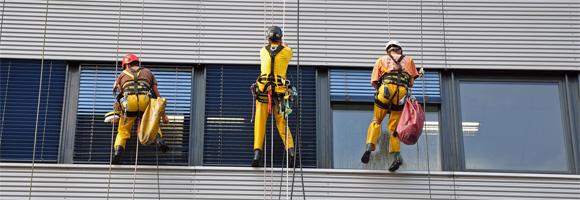 aktiv Gebäudedienste - Glas- und Fassadenreinigung